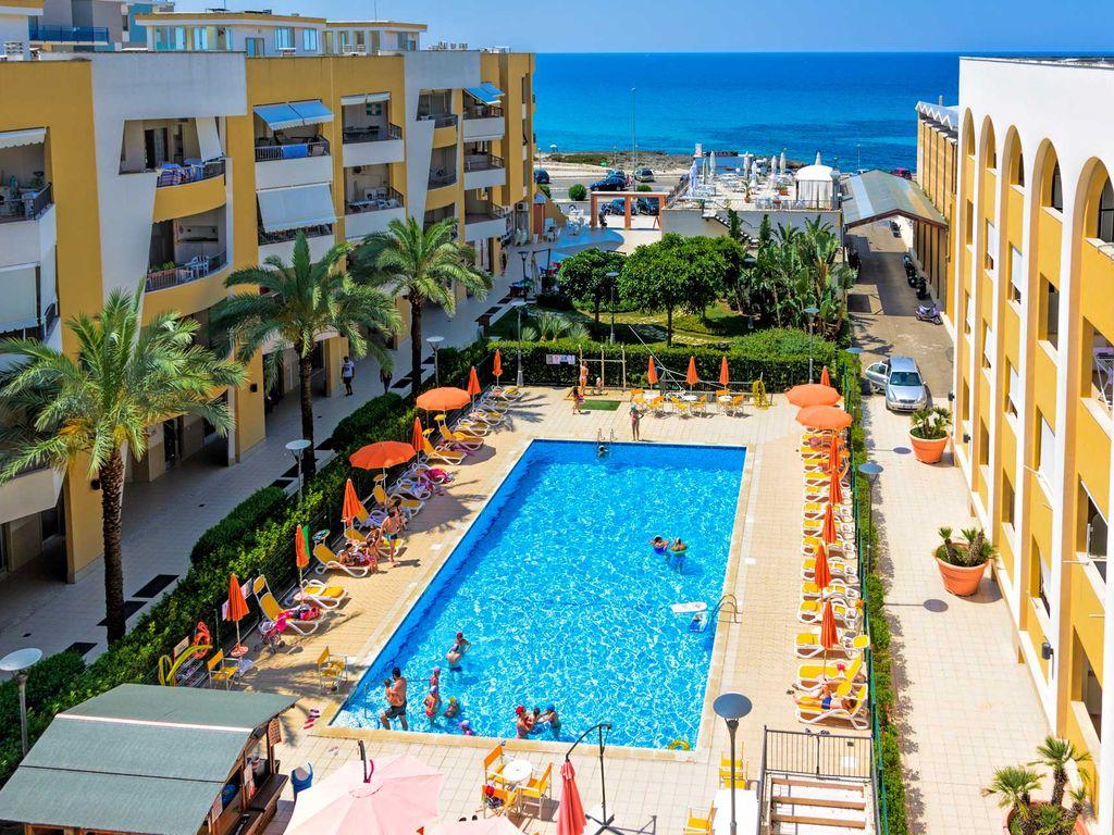 Appartamento vista mare in residence con piscina ws immobiliare gallipoli agenzia immobiliare - Residence puglia mare con piscina ...