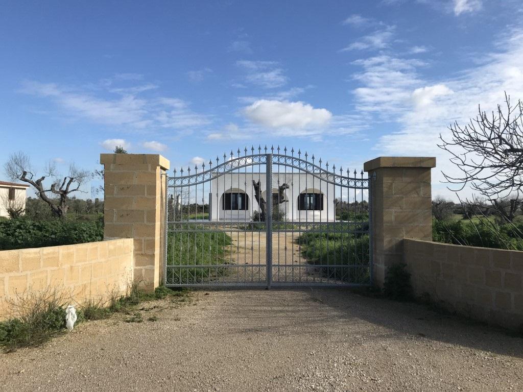 Villetta di nuova costruzione con Ampio spazio esterno in agro di Gallipoli