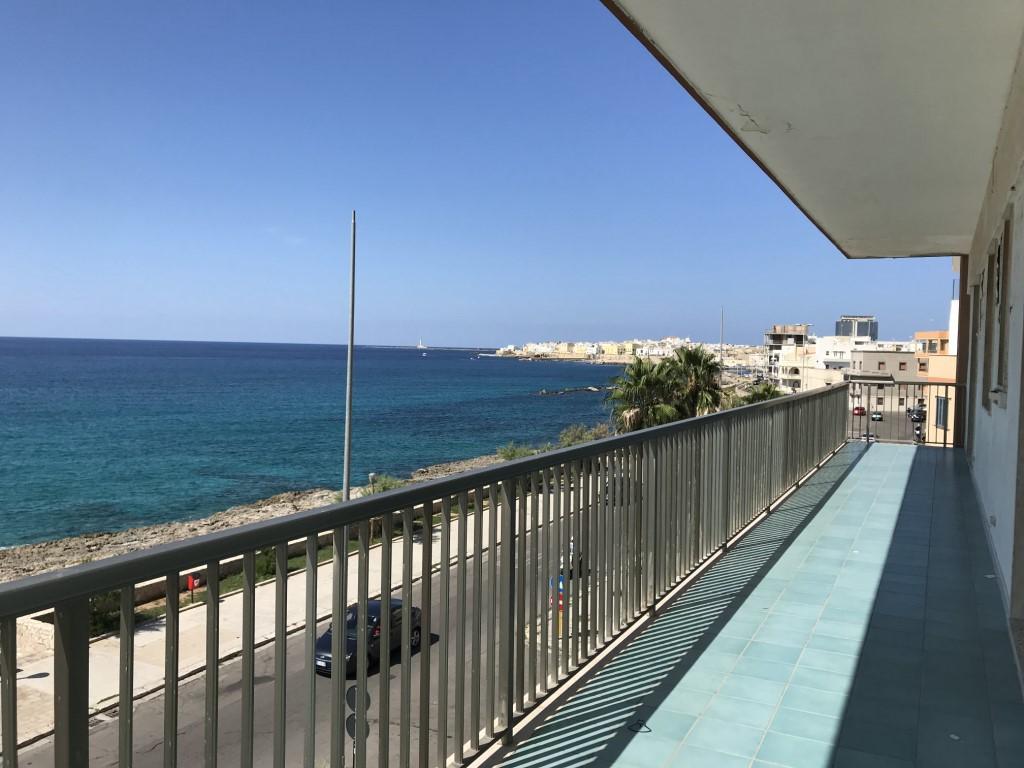Appartamento in prima linea sul mare a Gallipoli